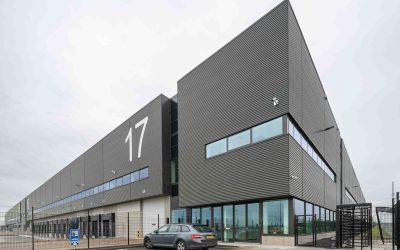 Pleijsier Bouw levert warehouse 4 op GMLP Schiphol op aan Kuehne+Nagel